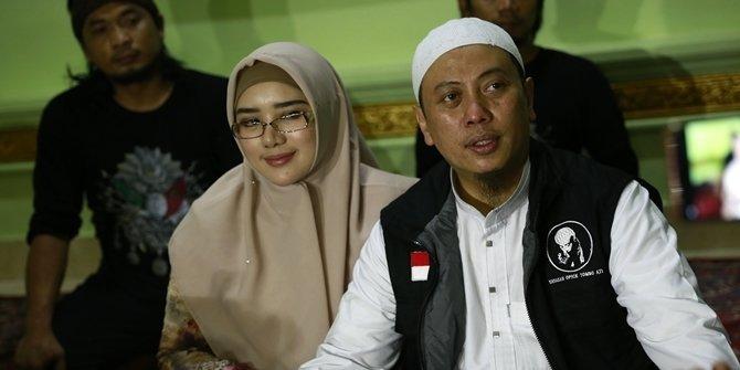 Opick Dan Istri Baru Di Bulan Suci Ramadhan